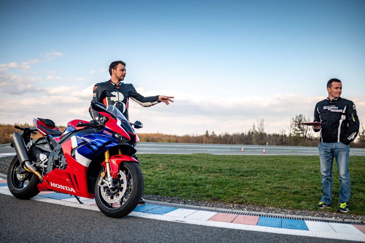 ROAD-motoskola-silnicni-202185